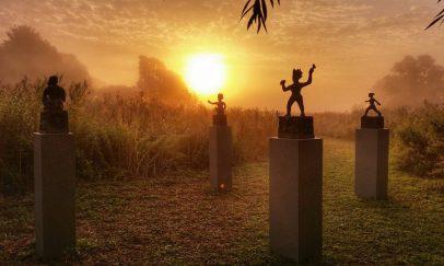 cropped-sculptures-on-plinths2.jpg